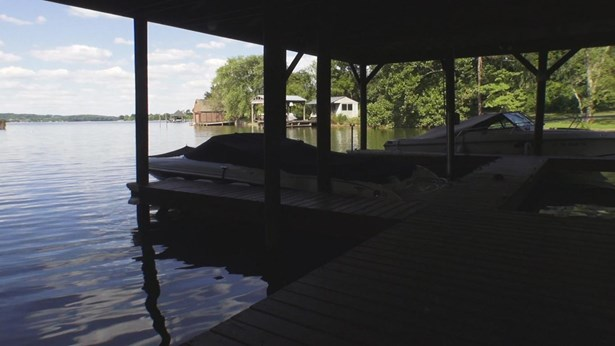 Single Family,Waterfront Access - Louisville, TN (photo 2)