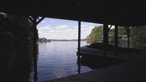 Single Family,Waterfront Access - Louisville, TN (photo 3)