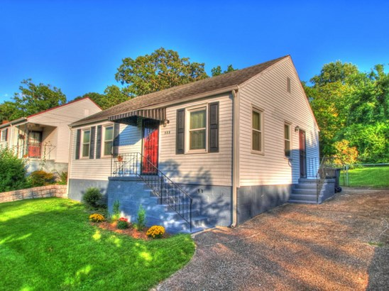 Ranch,Residential, Cottage - Knoxville, TN (photo 1)
