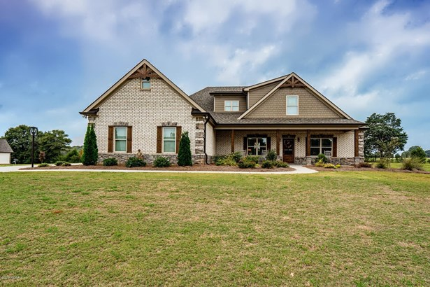 Single Family Residence - Forsyth, GA