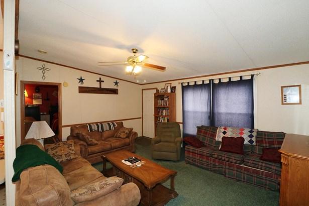 Mobile Home - Byron, GA (photo 2)