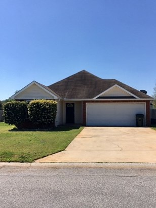 Single Family Detached - Bonaire, GA (photo 1)