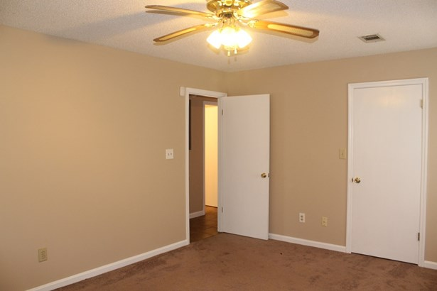 Single Family Detached - Warner Robins, GA (photo 5)
