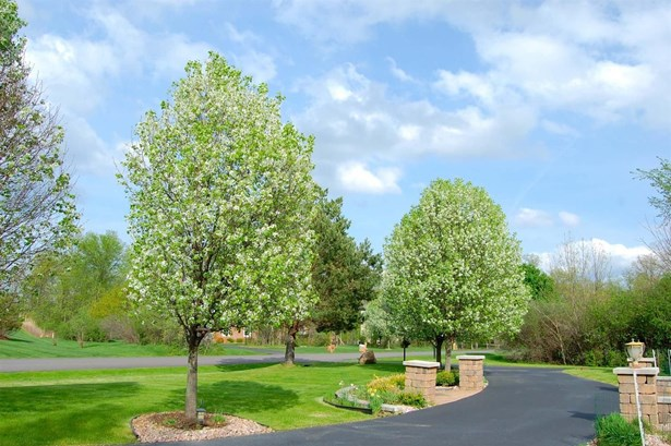 3302 Woodhill Circle, Superior Township, MI - USA (photo 3)