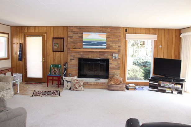 8880 Morrison Avenue, Plymouth, MI - USA (photo 2)