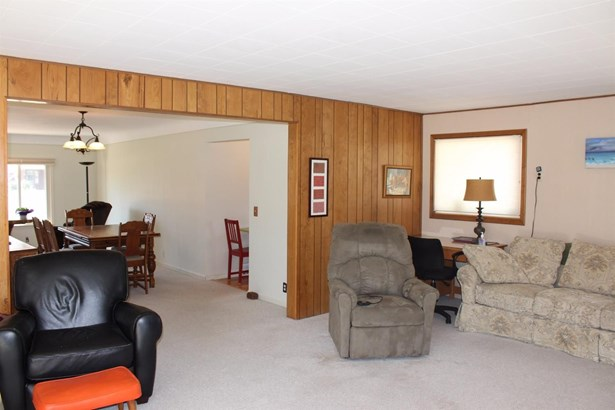 8880 Morrison Avenue, Plymouth, MI - USA (photo 5)