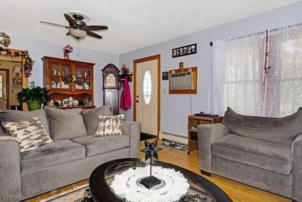 28 Hillside Ave, Milford, NJ - USA (photo 4)
