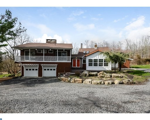 412 Center Hill Rd, Upper Black Eddy, PA - USA (photo 2)