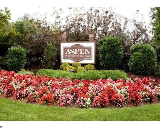 1310 Aspen Dr, Plainsboro, NJ - USA (photo 2)