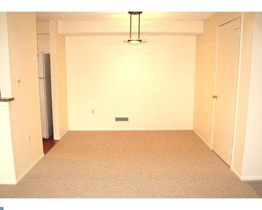 1310 Aspen Dr, Plainsboro, NJ - USA (photo 5)