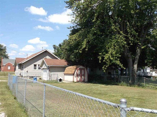 951 N Harrison Street, Frankfort, IN - USA (photo 2)