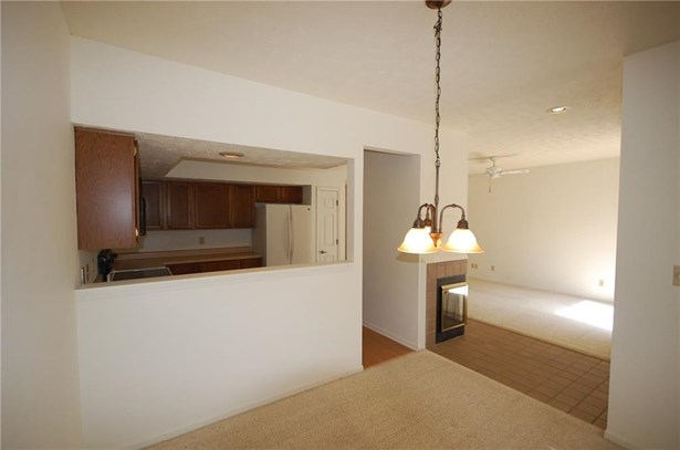 9570 Maple Way 8, Indianapolis, IN - USA (photo 5)