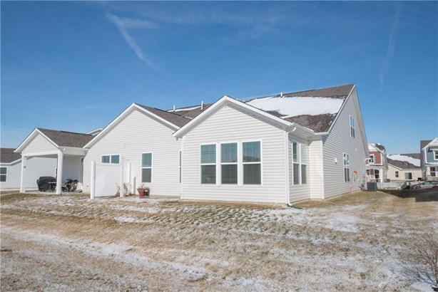 6241 Colonial Drive, Whitestown, IN - USA (photo 2)