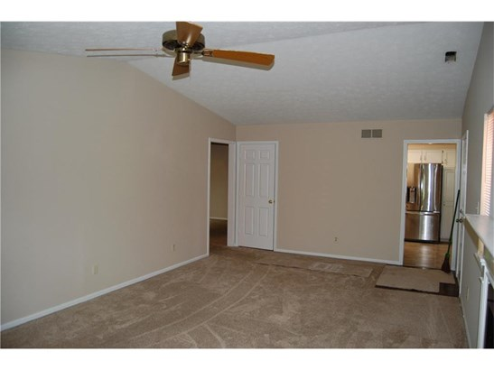 9260 Golden Woods Drive, Indianapolis, IN - USA (photo 4)