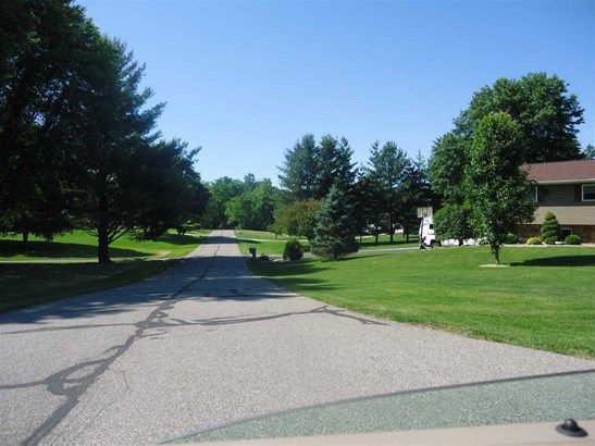Robin Hood Estates, Bedford, IN - USA (photo 5)
