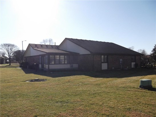 1202 Sycamore Drive 18, Shelbyville, IN - USA (photo 2)