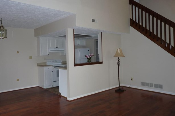 2562 Chaseway Court, Indianapolis, IN - USA (photo 4)