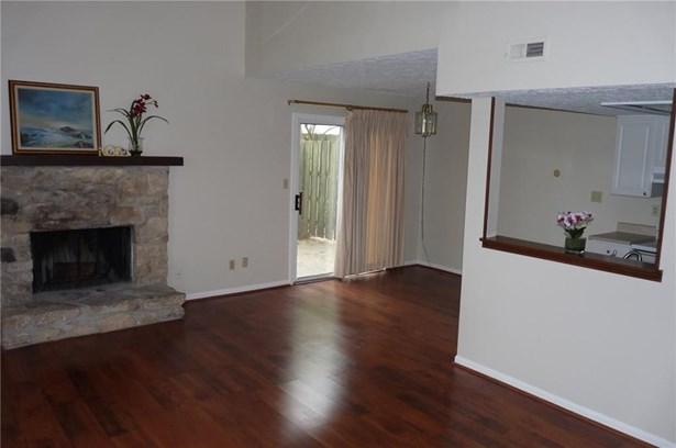 2562 Chaseway Court, Indianapolis, IN - USA (photo 5)