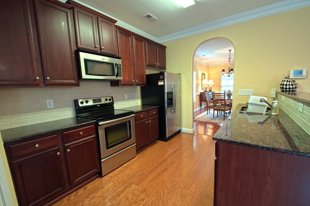 8100 Broad Ridge Court, Browns Summit, NC - USA (photo 4)