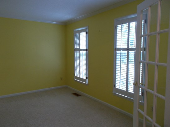 8 Sawmill Court, Greensboro, NC - USA (photo 4)