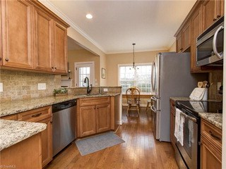 2913 Walbrook Terrace, Browns Summit, NC - USA (photo 4)