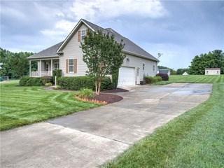 177 Winsome Laurel Lane, Reidsville, NC - USA (photo 2)