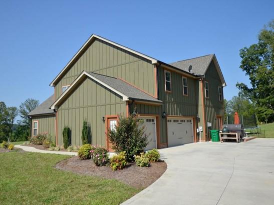 105 Mountain Ridge Court, King, NC - USA (photo 2)