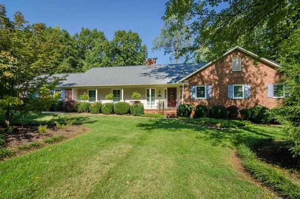 5202 Forest Oaks Drive, Greensboro, NC - USA (photo 1)
