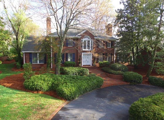900 Forest Hill Drive, High Point, NC - USA (photo 2)