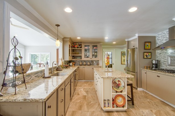 205 Shadow Valley Road, High Point, NC - USA (photo 5)