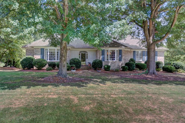 620 Burning Tree Circle, High Point, NC - USA (photo 1)