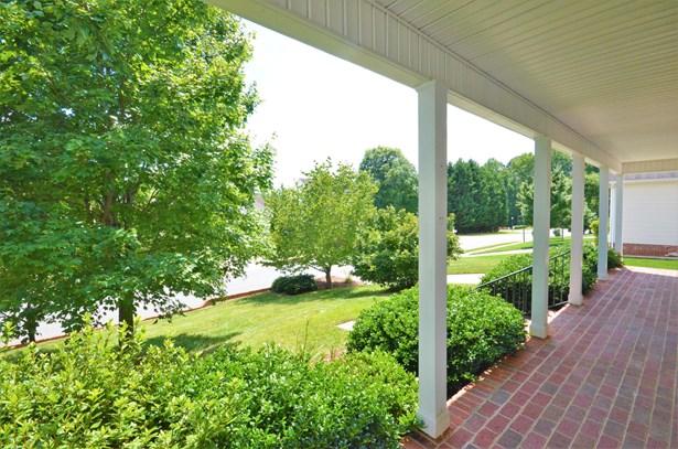 5747 Bromley Drive, Kernersville, NC - USA (photo 2)