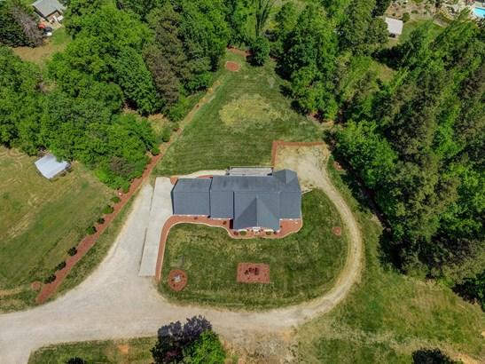 6811 Branson Mill Road, Pleasant Garden, NC - USA (photo 2)