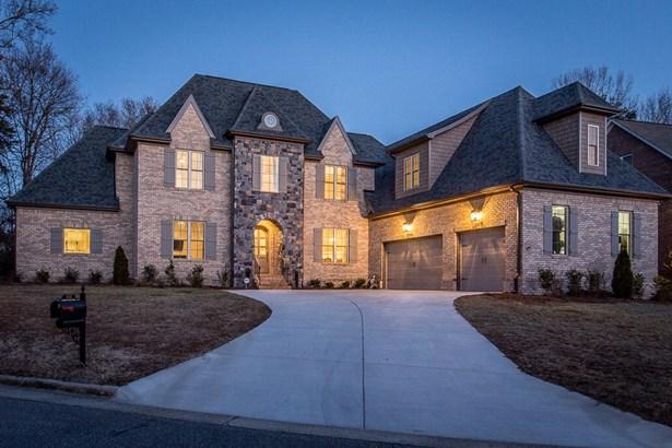 212 Mary Wil Court, Greensboro, NC - USA (photo 1)