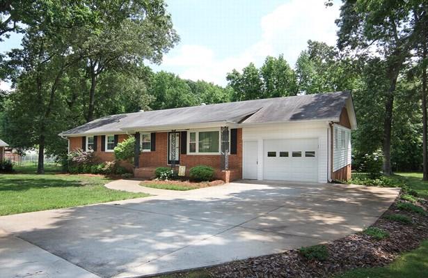 1700 Redbird Drive, Pleasant Garden, NC - USA (photo 2)
