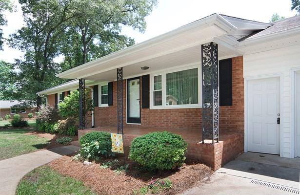 1700 Redbird Drive, Pleasant Garden, NC - USA (photo 3)