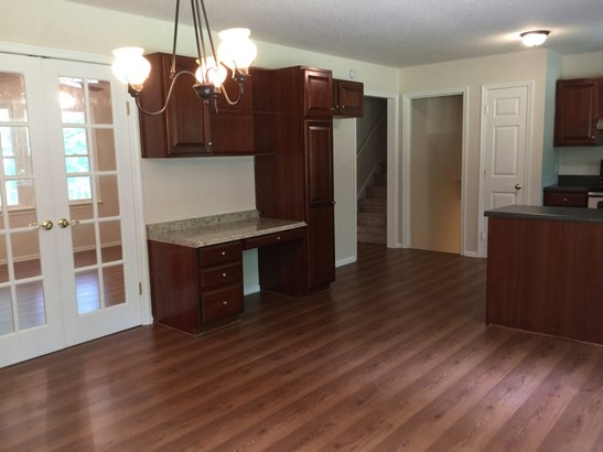 6425 Armps Rd, Whitsett, NC - USA (photo 2)