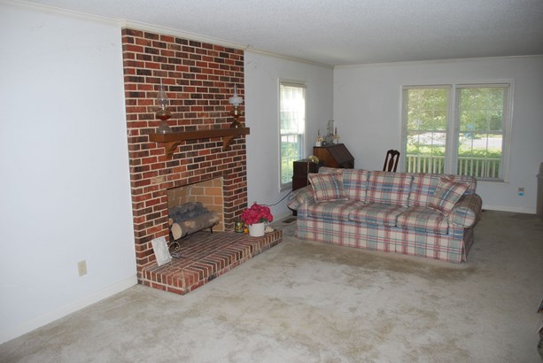 1002 Brookview Drive, Elon, NC - USA (photo 2)