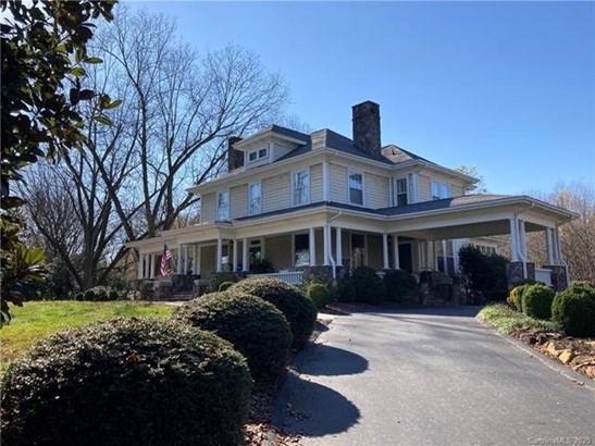 2 Story/Basement, Traditional - Mount Pleasant, NC