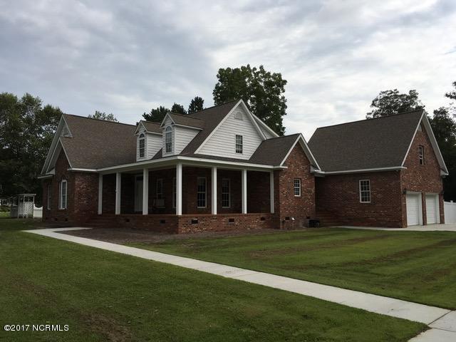 104 Summer Lane , Whiteville, NC - USA (photo 2)
