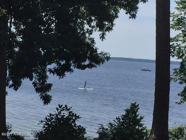 6 W White Oak Road , Lake Waccamaw, NC - USA (photo 1)