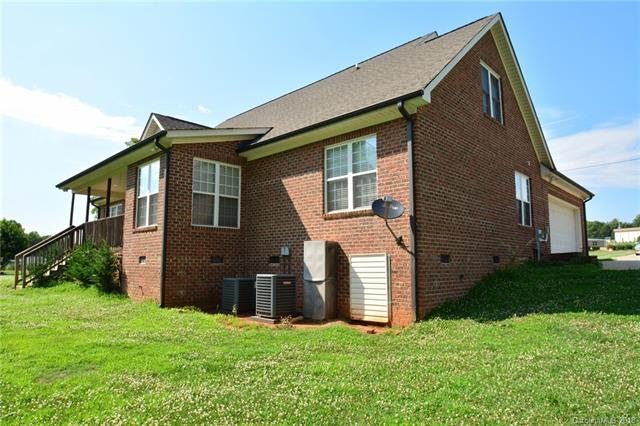 1.5 Story, Ranch - Maiden, NC (photo 3)