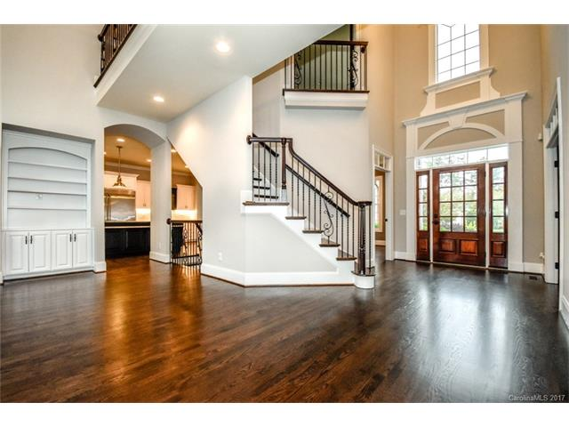 Transitional, 2 Story/Basement - Davidson, NC (photo 1)
