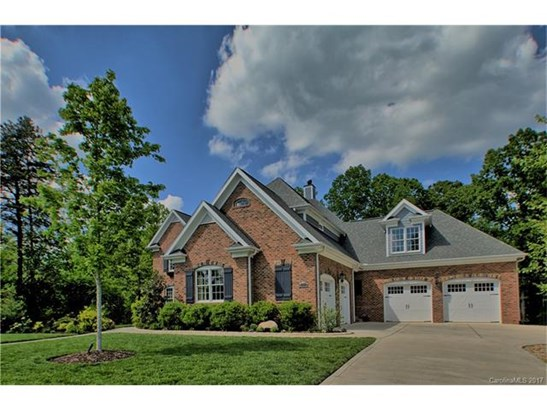 Transitional, 2 Story/Basement - Davidson, NC (photo 4)