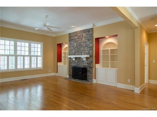 Transitional, 2 Story - Sherrills Ford, NC (photo 4)