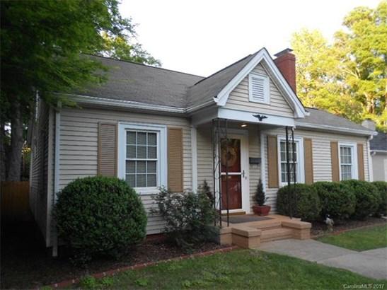 1.5 Story, Cottage/Bungalow - Charlotte, NC (photo 1)