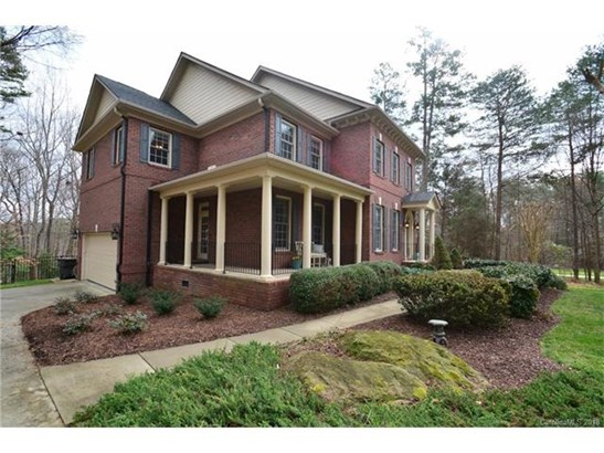 2 Story/Basement, Traditional - Davidson, NC (photo 2)