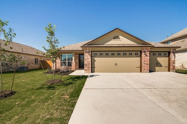 3017  Sandstone Way , New Braunfels, TX - USA (photo 1)