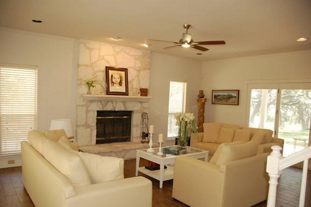 8658  Terret Circle  , Fair Oaks Ranch, TX - USA (photo 4)