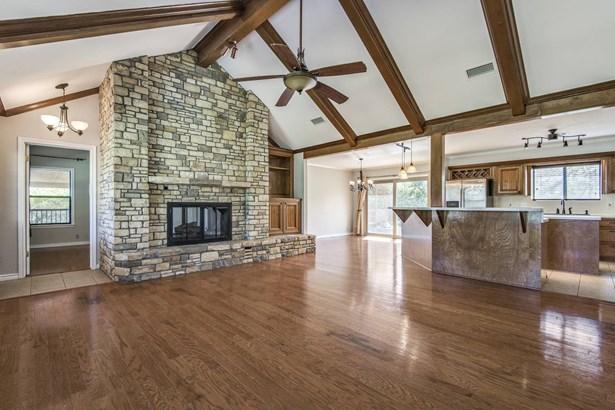 105  Cliffwood , Canyon Lake, TX - USA (photo 5)